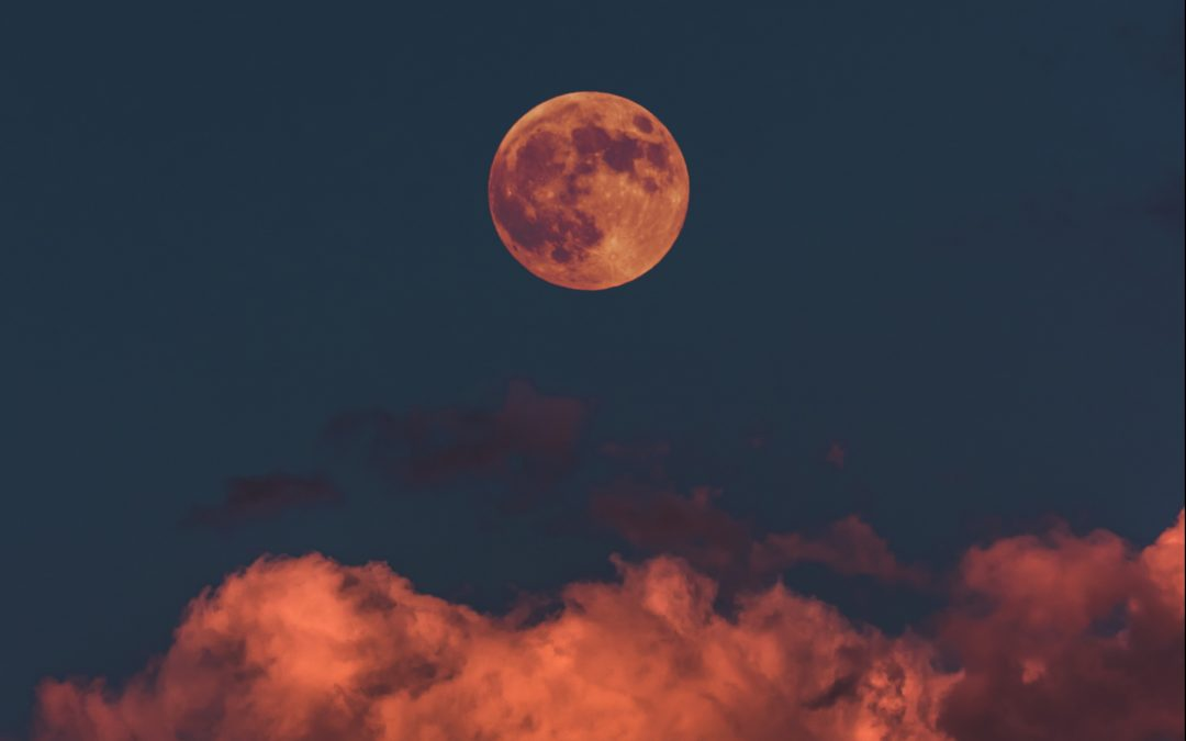 A Ritual For the Full Moon – A time to release and let go, so you can make the space for the magic to happen